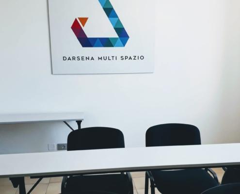 Darsena Multi Spazio, aula formazione Sala multiuso ufficio temporaneo, aula formazione, sala riunioni, sala conferenze, a Ravenna in zona Darsena